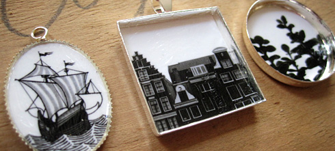 Photo resin jewelry by electrofork