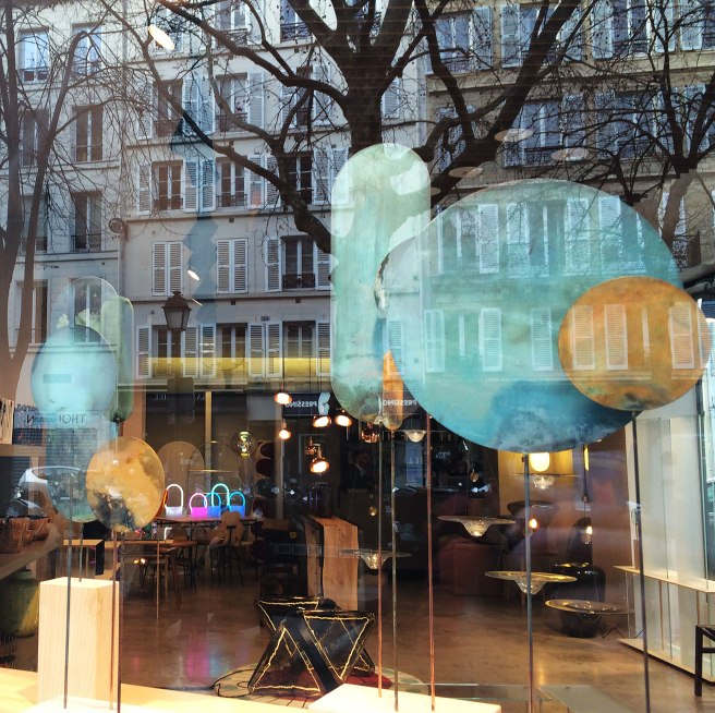 Shop window art, Paris