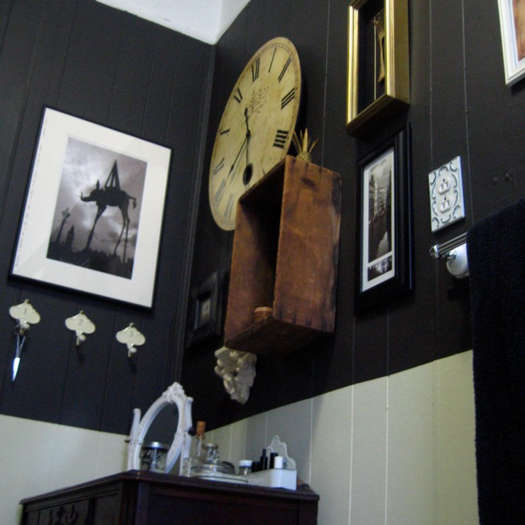 Three apartments ago: my French / New Orleans inspired bathroom, all black and white