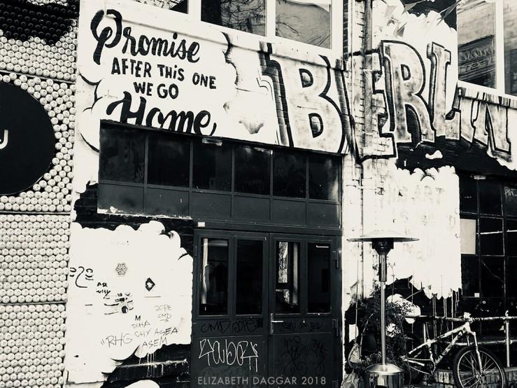 b&w photo of grafitti in Berlin