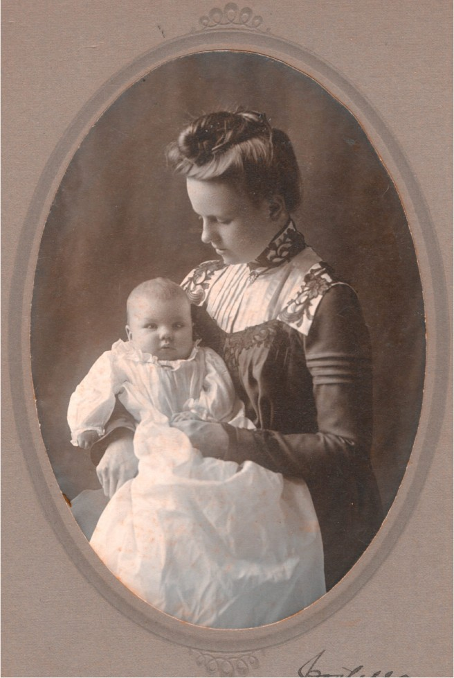 Edwardian portrait of a mother and child